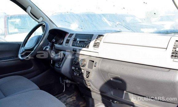 Acheter Importé Voiture Toyota Hiace Blanc à Import - Dubai, Marquesas