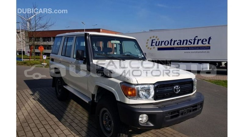 Big with watermark toyota land cruiser marquesas import dubai 3276