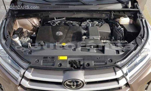 Acheter Importé Voiture Toyota Highlander Marron à Import - Dubai, Marquesas