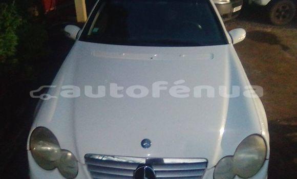 Acheter Occasion Voiture Mercedes-Benz C–Class Autre à Fangatau, Tuamotu
