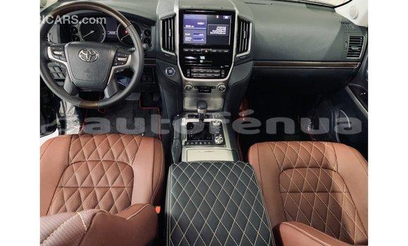 Acheter Importé Voiture Toyota Land Cruiser Noir à Import - Dubai, Marquesas