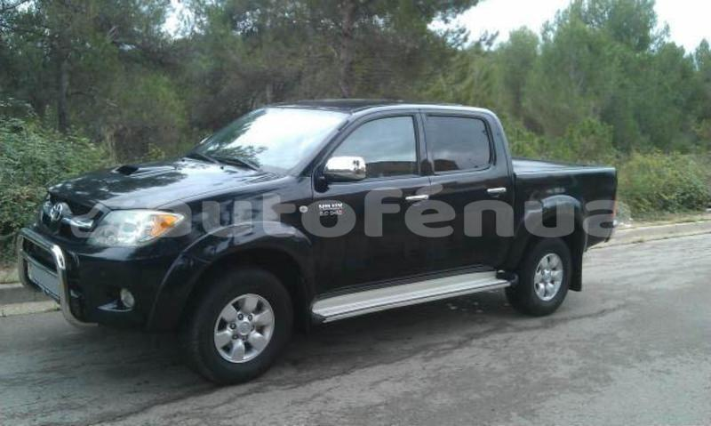 Big with watermark toyota hilux tuamotu rangiroa 4478