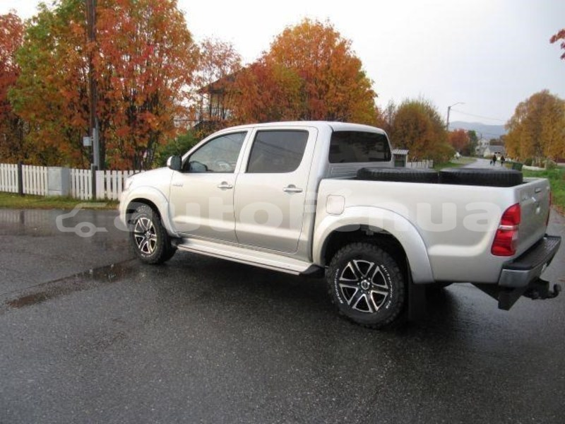 Big with watermark toyota hilux marquesas tahuata 4489